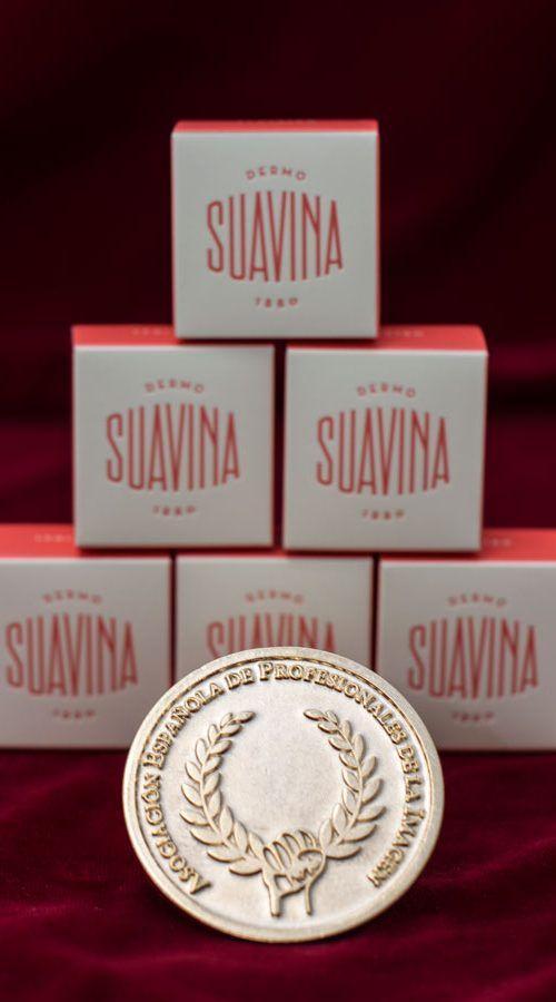 SUAVINA - Medalla de Oro de La Asociación Española de Profesionales de La Imagen