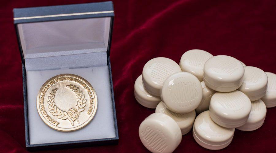SUAVINA - Medalla de Oro de La Asociación Española de Profesionales de La Imagen (2)